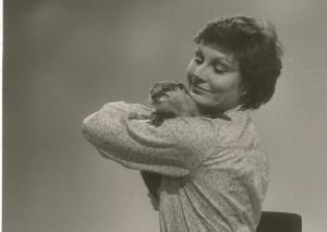 Bee the Otter with Angela Ripon in 1982