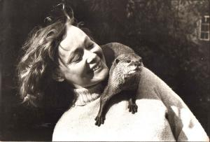 Daphne Neville with Bee in 1981